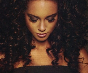 alicia keys, hair, and curls image