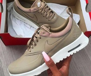 detalhes, nike, and shoes image