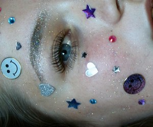 grunge, pale, and glitter image