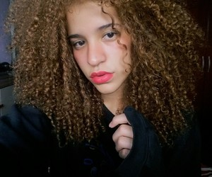 curly, girls, and cachos image