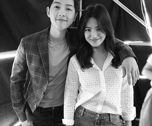 descendants of the sun, asian, and couple image