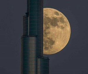 moon, night, and dubaï image