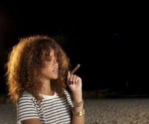 rihanna, riri, and beach image