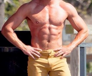 actor, attractive, and body image