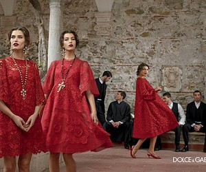 D&G and red image