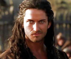 gerard butler and long hair image