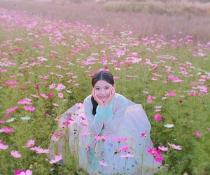 kim yoojung and 김유정 image