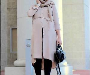 hijab fashion look and pregnant hijabi image