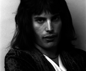 Freddie Mercury, music, and Queen image