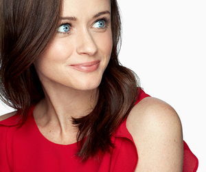 alexis bledel, gilmore girls, and netflix image