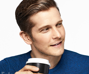 gilmore girls, matt czuchry, and netflix image
