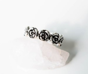 thumb ring, flower ring, and knuckle ring image