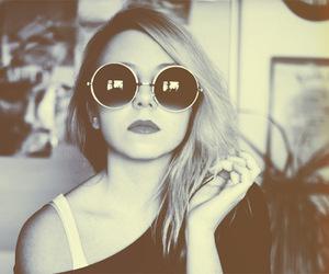 girl, vintage, and glasses image