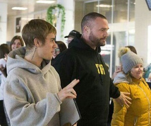 airport, justin bieber, and grey hooded image