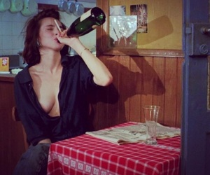 drunk, alcohol, and betty blue image