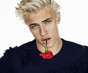 model and lucky blue smith image