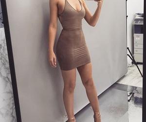 clothing and baddie curves image