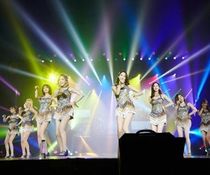 gee, yoona, and light color image