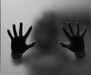 hands and scary image