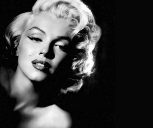 beauty, black & white, and Marilyn Monroe image