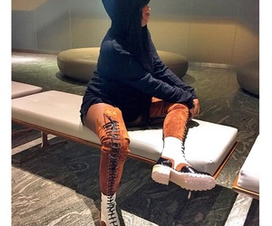 😍 and what are those shoes image