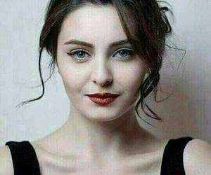 girl, beauty, and بُنَاتّ image