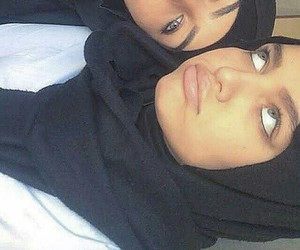 hijab, yeux, and islam image