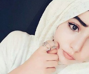 girl, hijab, and محجبات image