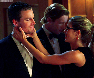 arrow, felicity smoak, and oliver queen image