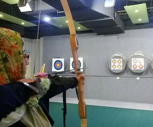 archery, bow and arrow, and single image