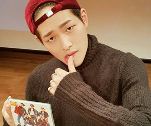 Onew, kpop, and SHINee image