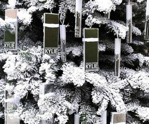 tree, sapin, and kylie jenner image