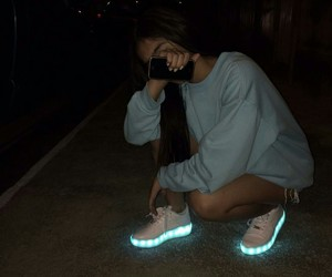 girl and shoes image
