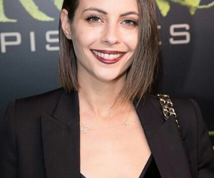 arrow and willa holland image