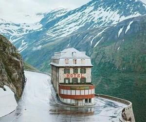 carretera, hotel, and nieve image
