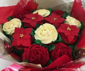 cupcakes, decorative, and roses image