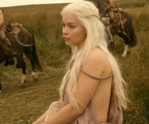 daenerys and game of thrones image