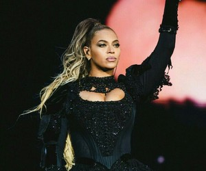 cool, pretty, and knowles image
