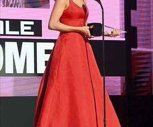 selena gomez, Queen, and red image