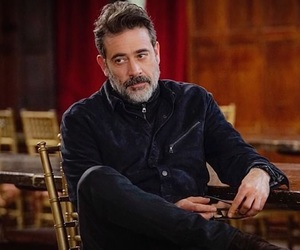 jeffrey dean morgan, twd, and LUCILLE image