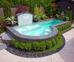 garden, pool, and alberca image