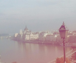 budapest and beautifultown image