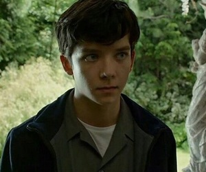 actor, hq, and asa butterfield image