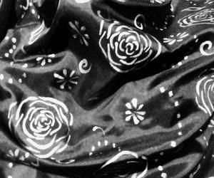 blanco y negro, white and black, and plateado image