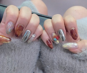 nail, nails, and gray aesthetic image
