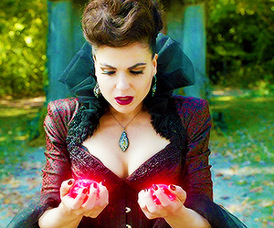 once upon a time, evil queen, and regina mills image