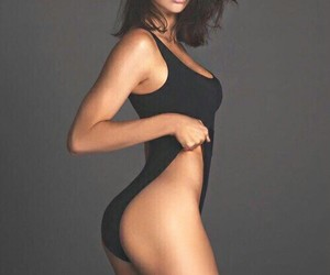 body, celebrity, and kendall jenner image