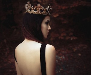 girl and crown image