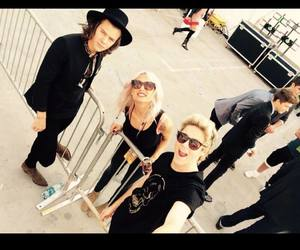 niall horan, lou teasdale, and Harry Styles image