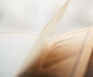 book and jane eyre image